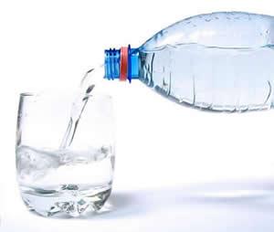 зъбите се почистват с вода