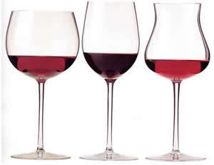 зъбите се оцветяват от червено вино